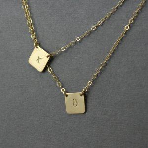 xo necklace squares